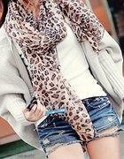 szal i ciepły sweterek
