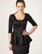 Czarna sukienka z baskinką S