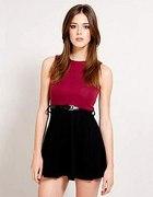 Czarno czerwona sukienka