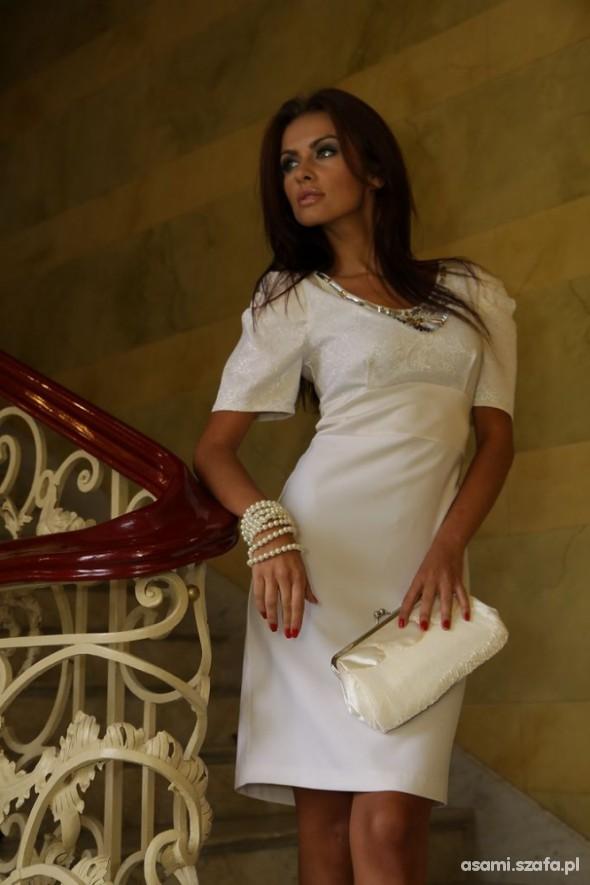 Eleganckie sukienki na śluc cywilny