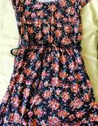 sukienka w kwiatki z gumką i paseczkiem...