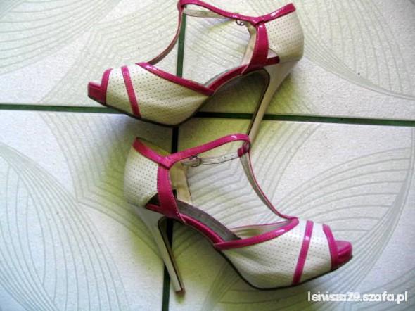 Sandałki...