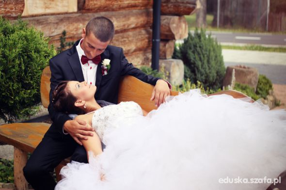 Na specjalne okazje Suknia ślubna w stylu księżniczki