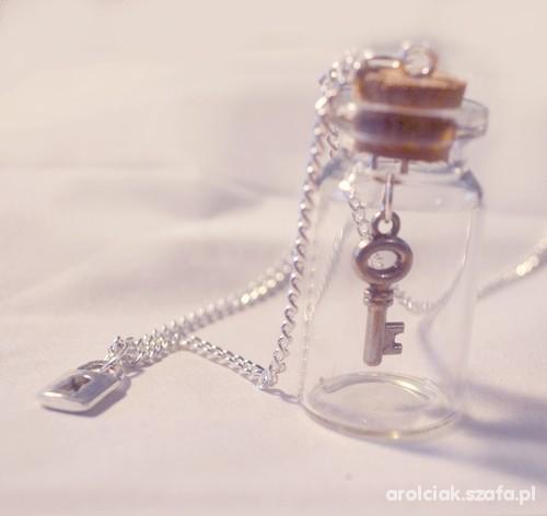naszyjnik buteleczka kłódka i klucz