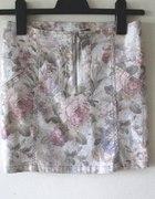 spodnica stradivarius w róże...