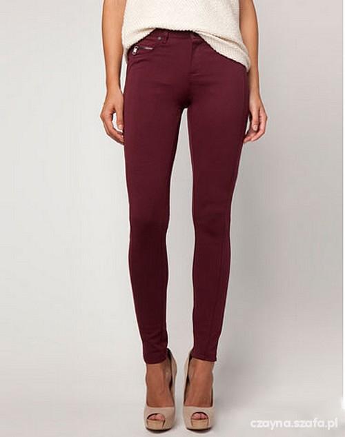 bordowe bawełniane spodnie bershka