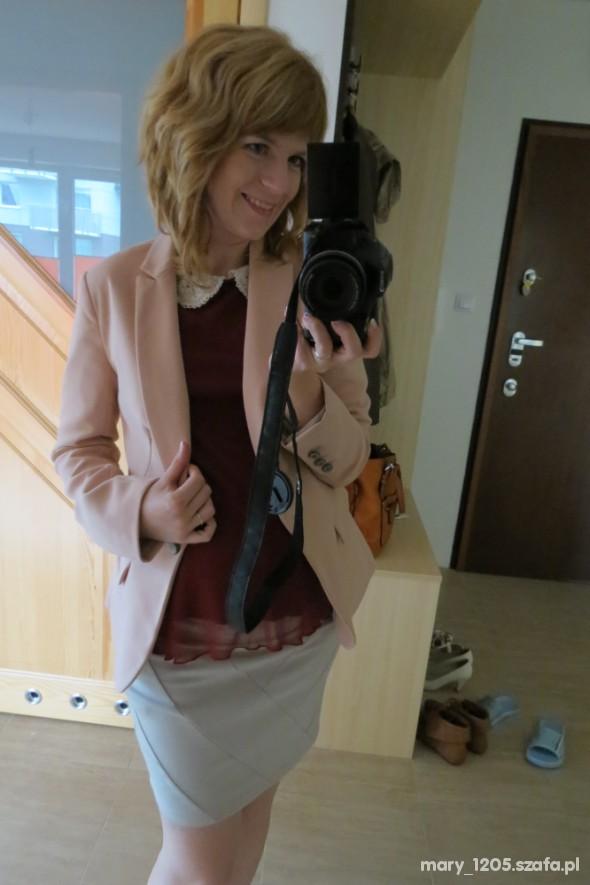 Do pracy róż i burgund