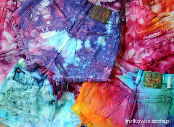 Farbowane spodenki kolorowe