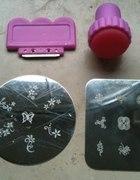 Essence Nail Art Stampy Set Zestaw stempelków...