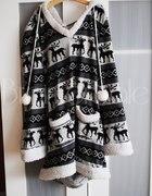Długi sweter w norweski wzór Renifera