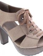 Sandałki platformy CCC Jennifer&Jennifer...