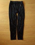 Nowe czarne legginsy welurowe