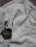 Bershka sweterek oversize zlota nitka nude bezowy