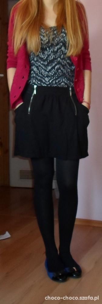 bordowy sweterek i kobaltowe balerinki