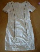 Sukienka biała z zamkami