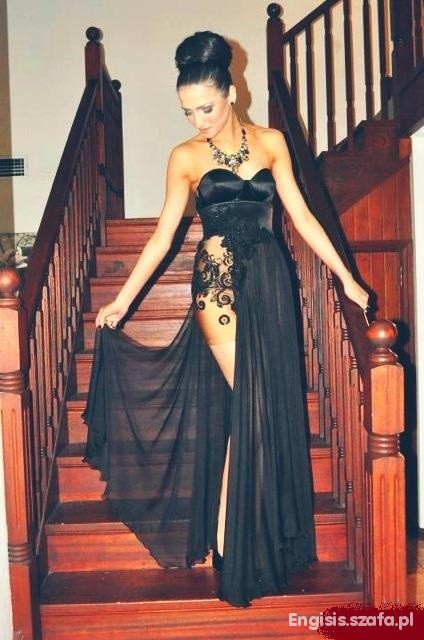 Na specjalne okazje suknia