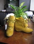 sneakersy z ukrytymi koturnami
