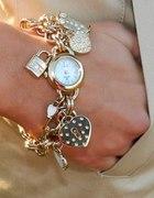 zegarek z charmsami