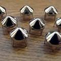 srebrne Ćwieki stożki kolce okrągle śr 9mm wys 8mm