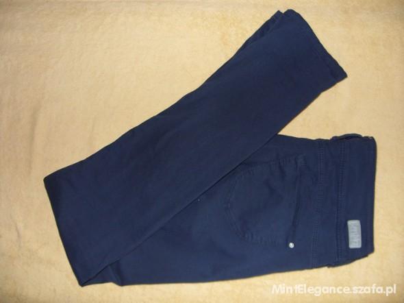Spodnie Granatowe rurki Bershka