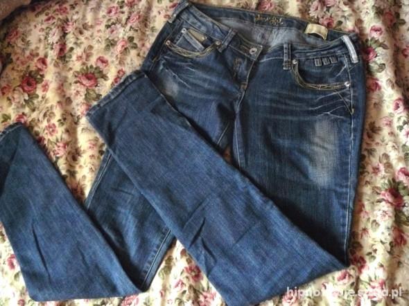 Spodnie Niebieskie jeansowe rurki