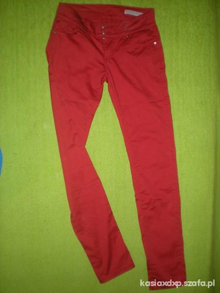 Spodnie czerwone rurki tanio