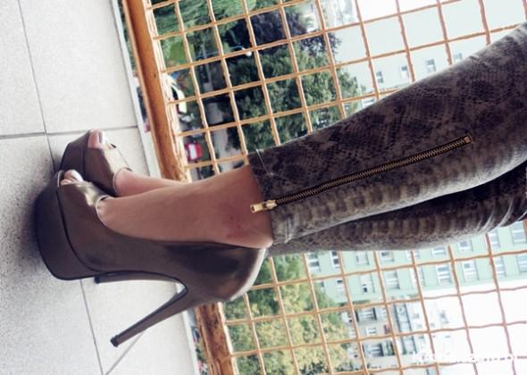 Spodnie zara wężowe wąż snake spodnie