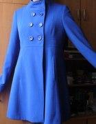 chabrowy kobaltowy płaszcz jesienny grzybek
