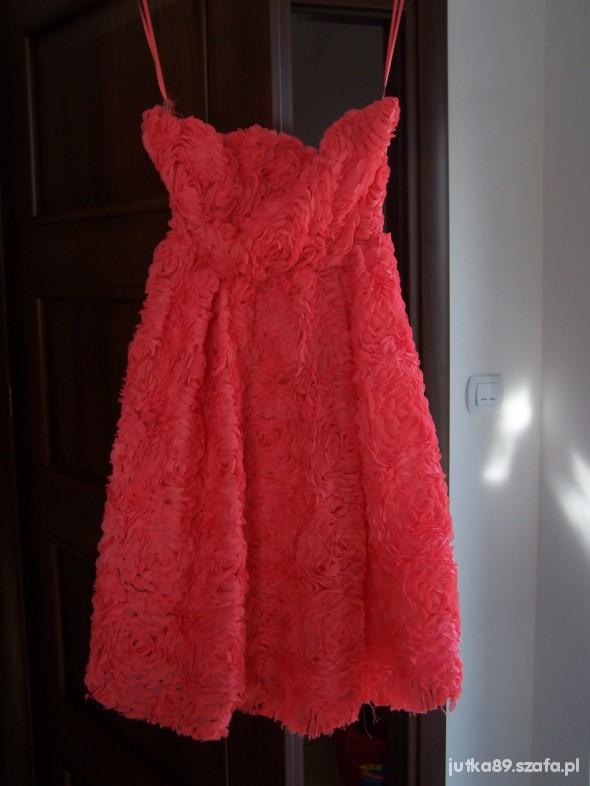 Suknie i sukienki koralowa w roże nowa L