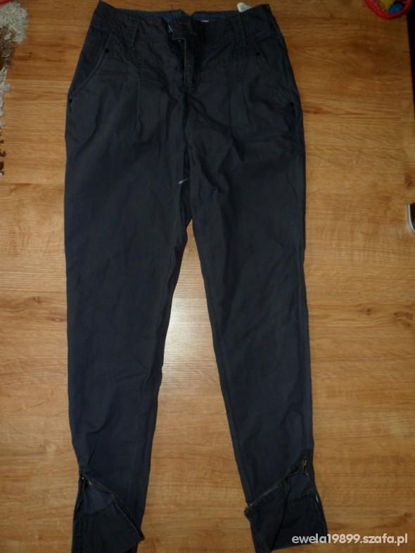 Spodnie spodnie house zip