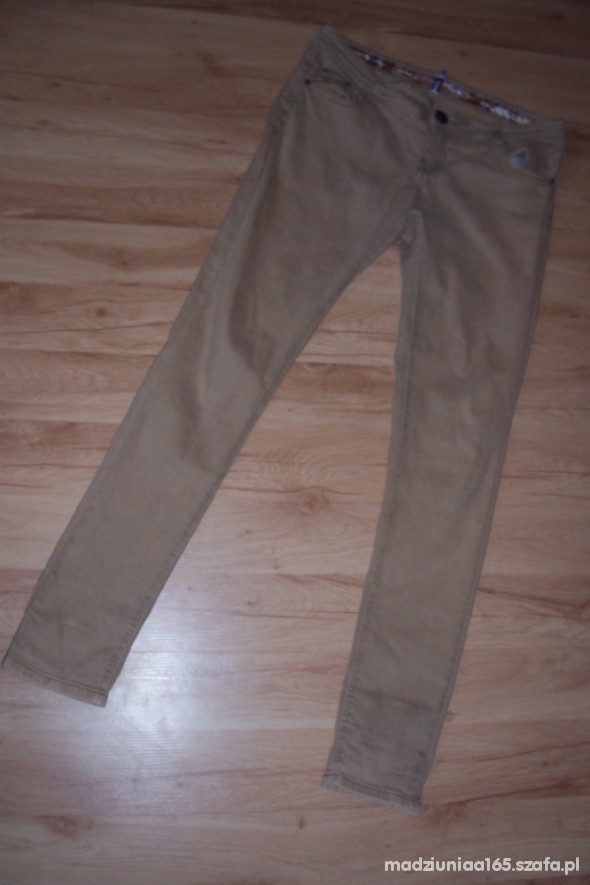 Spodnie bezowe rurki hit jesieni 42 44