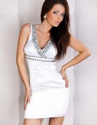 szukam sukienka biala...