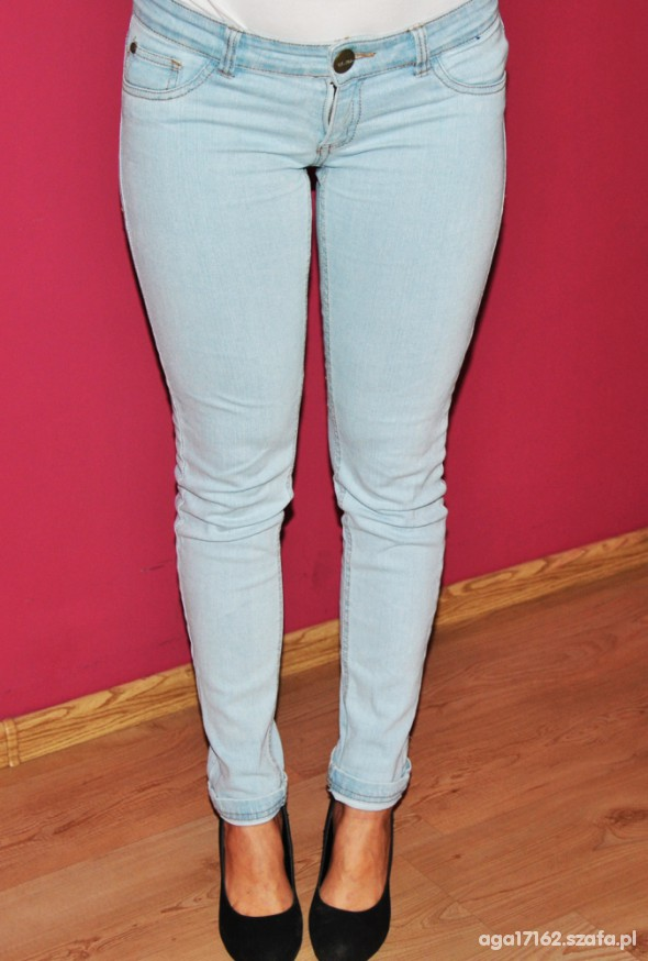 Spodnie Jasne jeansy Cropp