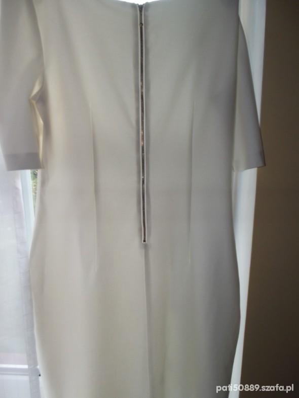 Suknie i sukienki Biała ecri elegancka sukienka z zipem z tyłu 42