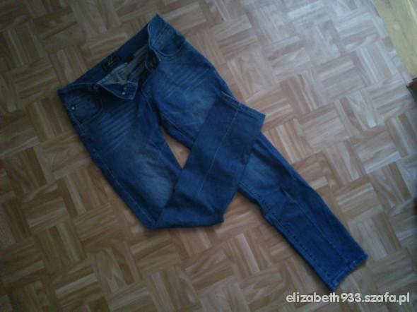 Spodnie jeansy M House