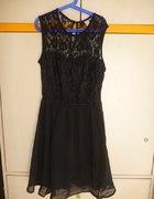 Czarna koronkowa sukienka hm