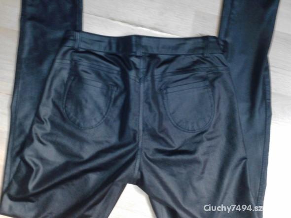 Spodnie Spodnie a la skóra