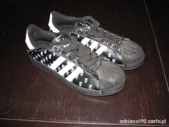 10779134 czarno biale buty sportowe 43 w Sportowe - Szafa.pl
