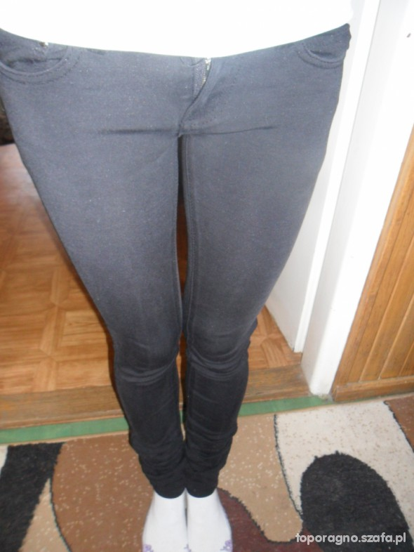 Spodnie czarne rurki tregginsy
