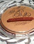 Brązer Essence Sun clubmatt bronzing powder...