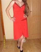 Seksowna czerwona sukienka...