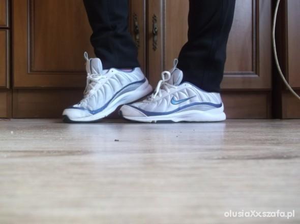 Sportowe Biało niebieskie nikee