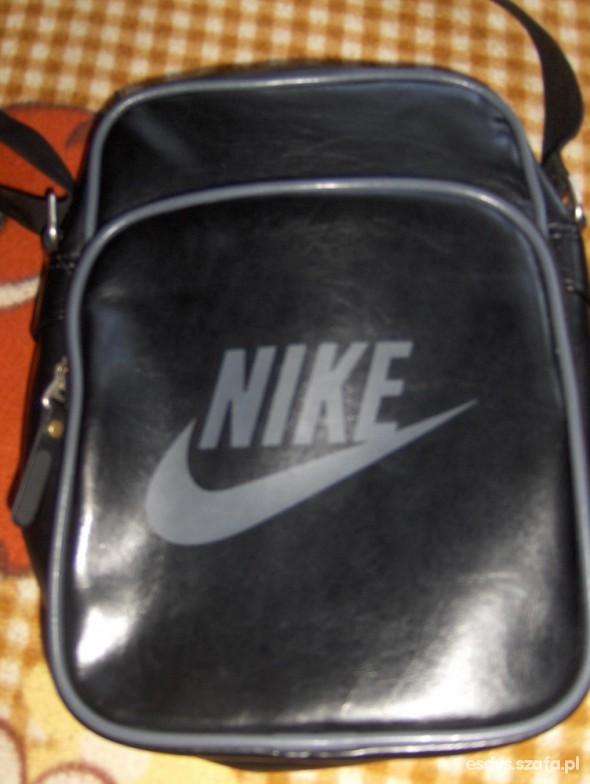 Nowa torebka tylko bez metki