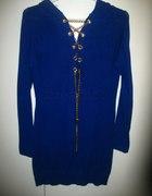 modra tunika złoty łańcuch serduszko ODKRYTE PLECY