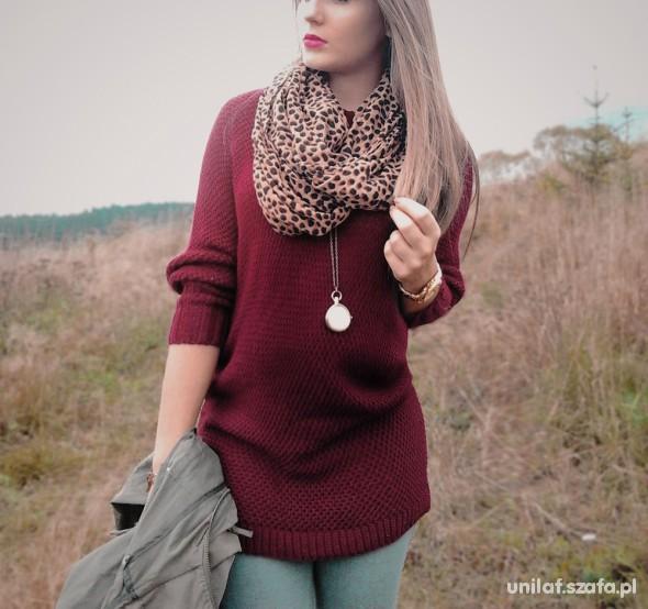 nowy bordowy sweter złota nić 80 cm długości
