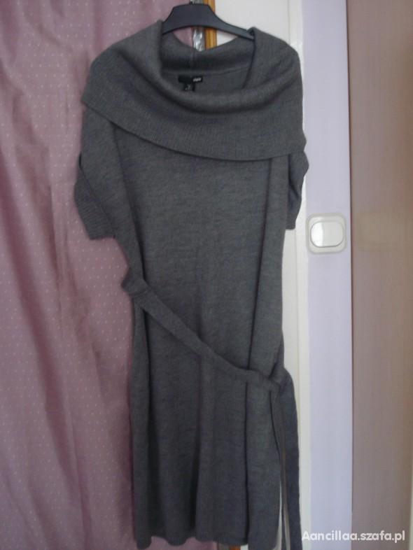 Duża szara sukienka