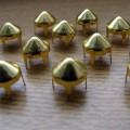 Złote Ćwieki stożki kolce okrągle śred 9mm wys 9mm