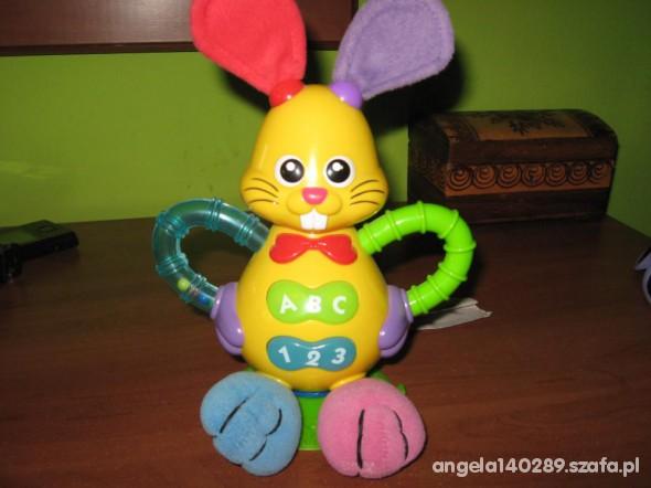 Zabawki Zajączek SMILY grający