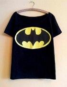 blogerski czarny oversize z wielkim logo BATMAN