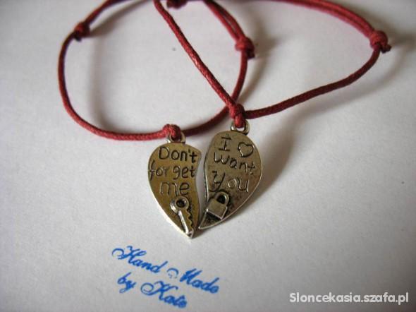 dwie sznurkowe bransoletki serce